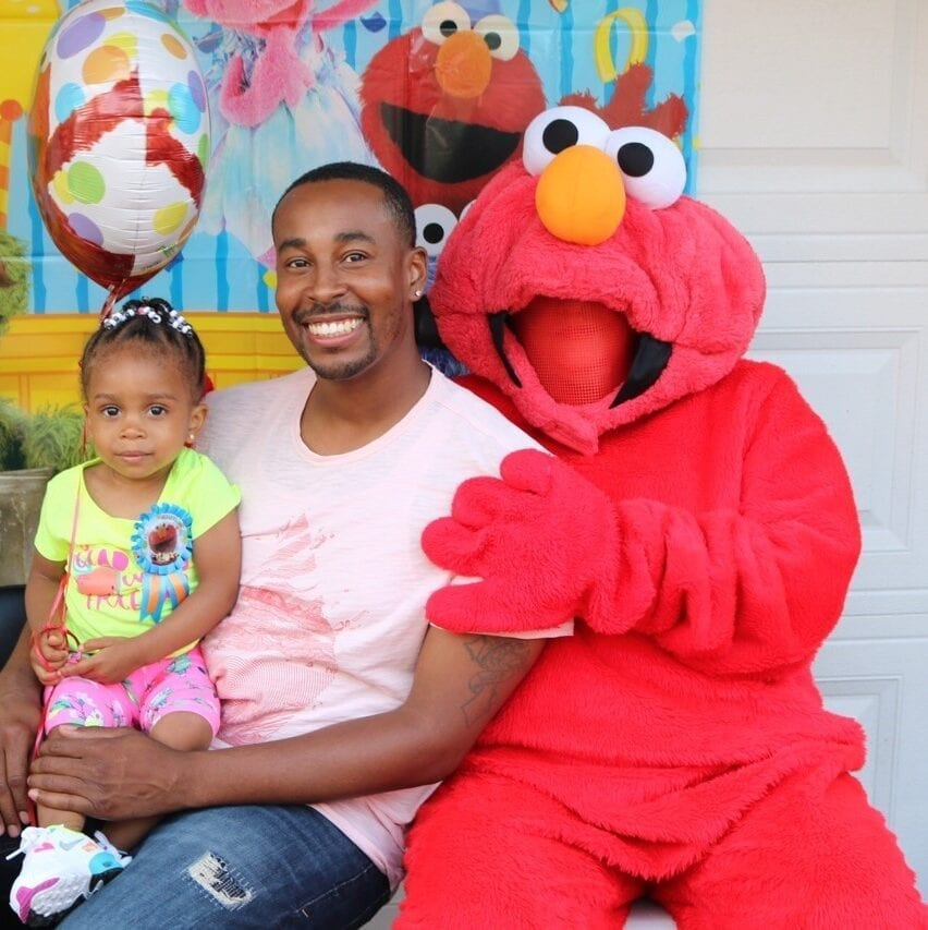 Elmo Party: Hire Party Characters For Kids Chicago: Easter Bunny, Elmo, Safe Driveway singing telegrams, Click on magicianschicago.com, Northwest Indiana Front Porch Entertainers, Chicago Balloon Delivery. Hire Potter characters
